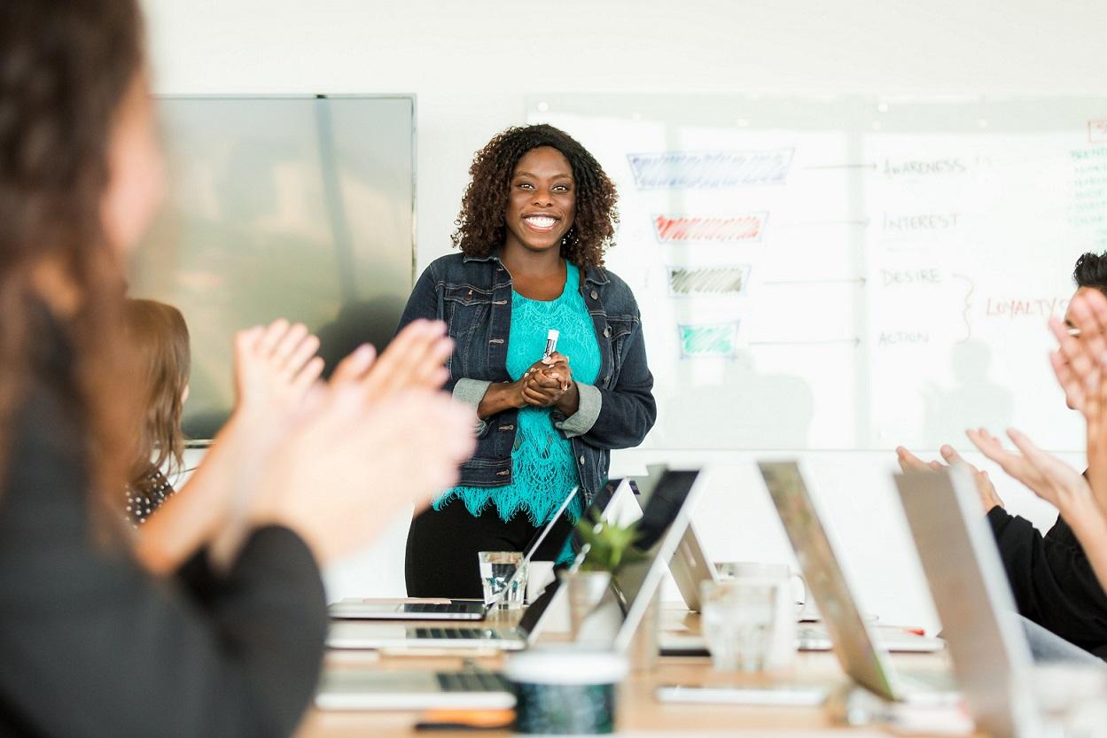 Public speaking training   Business mindset coaching for women Maya Zack